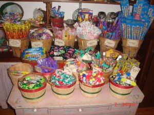 Public_domain_candy_buffet_picture