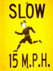 sign_slow_15_mph_000_0080